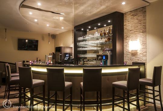 Stilvolle-Bar-Romantik-Hof-Innenarchitektur-Martitz